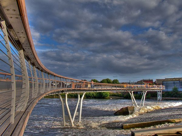 800px-Castleford-bridge