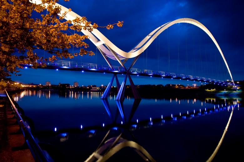 Infinity_Bridge_in_Stockton